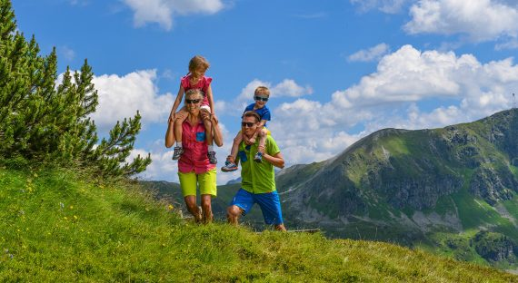 3 Activities to Partake in While on Family Holiday