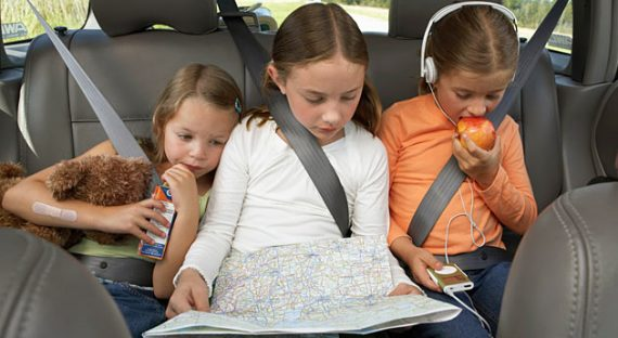 3 Tips to Help Keep Your Kids Safe While Traveling