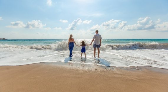 5 Ways To Save On Family Holidays